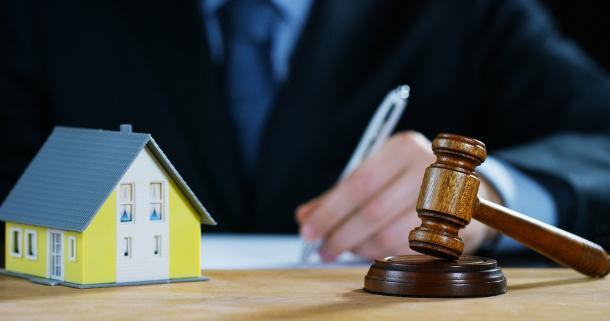 нужен адвокат по жилищному вопросу